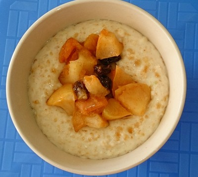 oatmeal, apple compote, cinnamon apple compote, kids breakfast, healthy breakfast