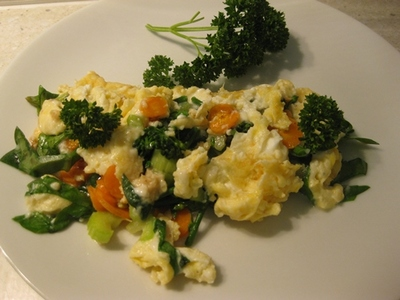 omelette,scrambled,eggs,with,cottage,cheese,and,vegetables