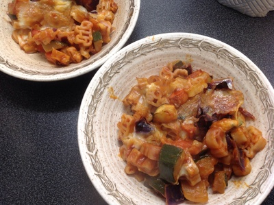Pasta bake, bowls, courgette, onion, red onion, cabbage