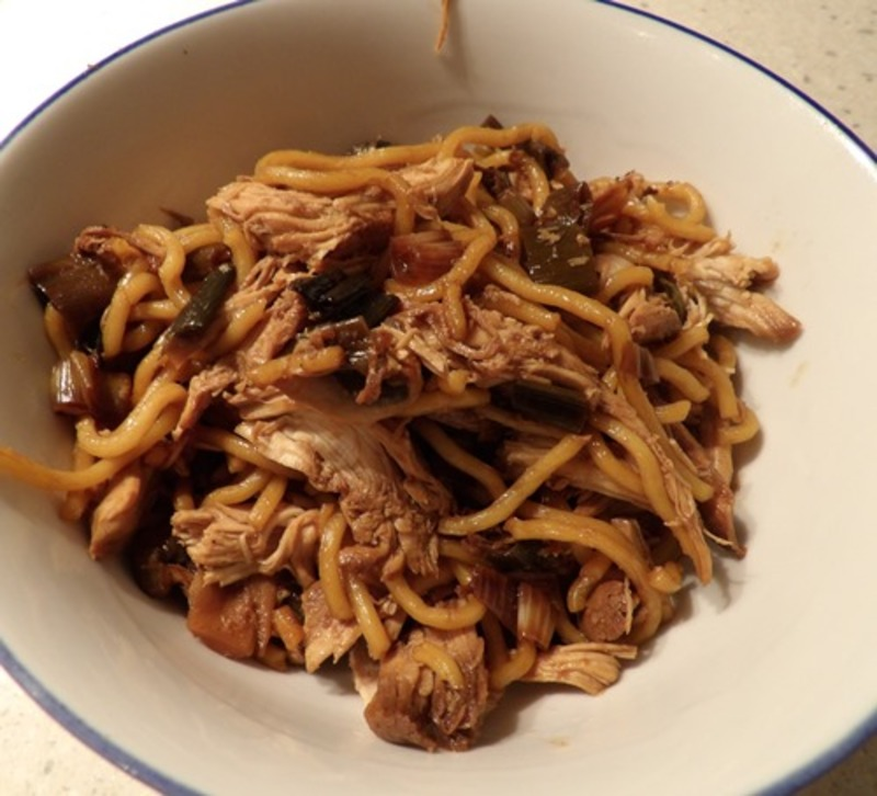 plated,chicken,noodles,and,almonds